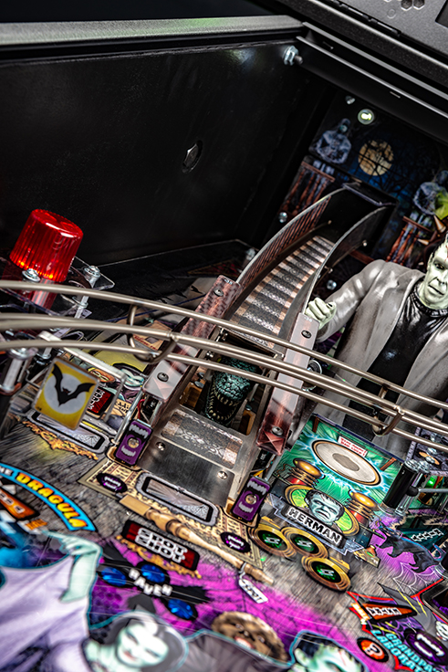 Munsters Pro Edition Stern Pinball Machine